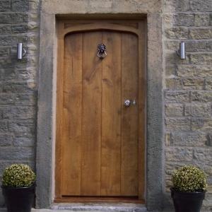Machells External Gothic Arched Door