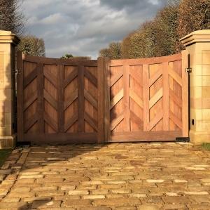 Winter Ipe gate Thumb